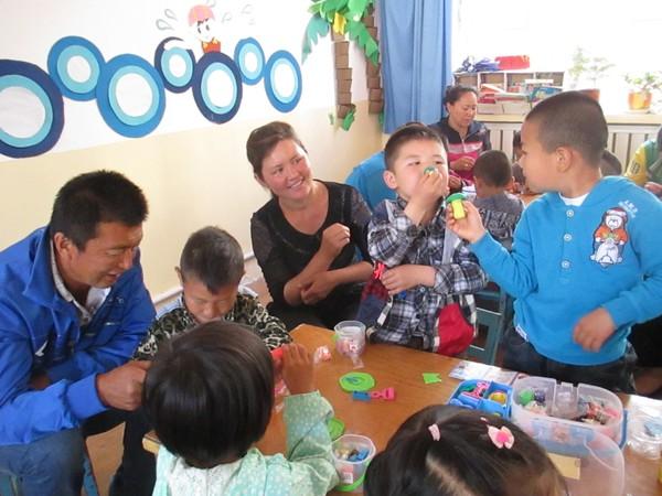"""塔城市第一幼儿园""""家长开放日""""活动"""